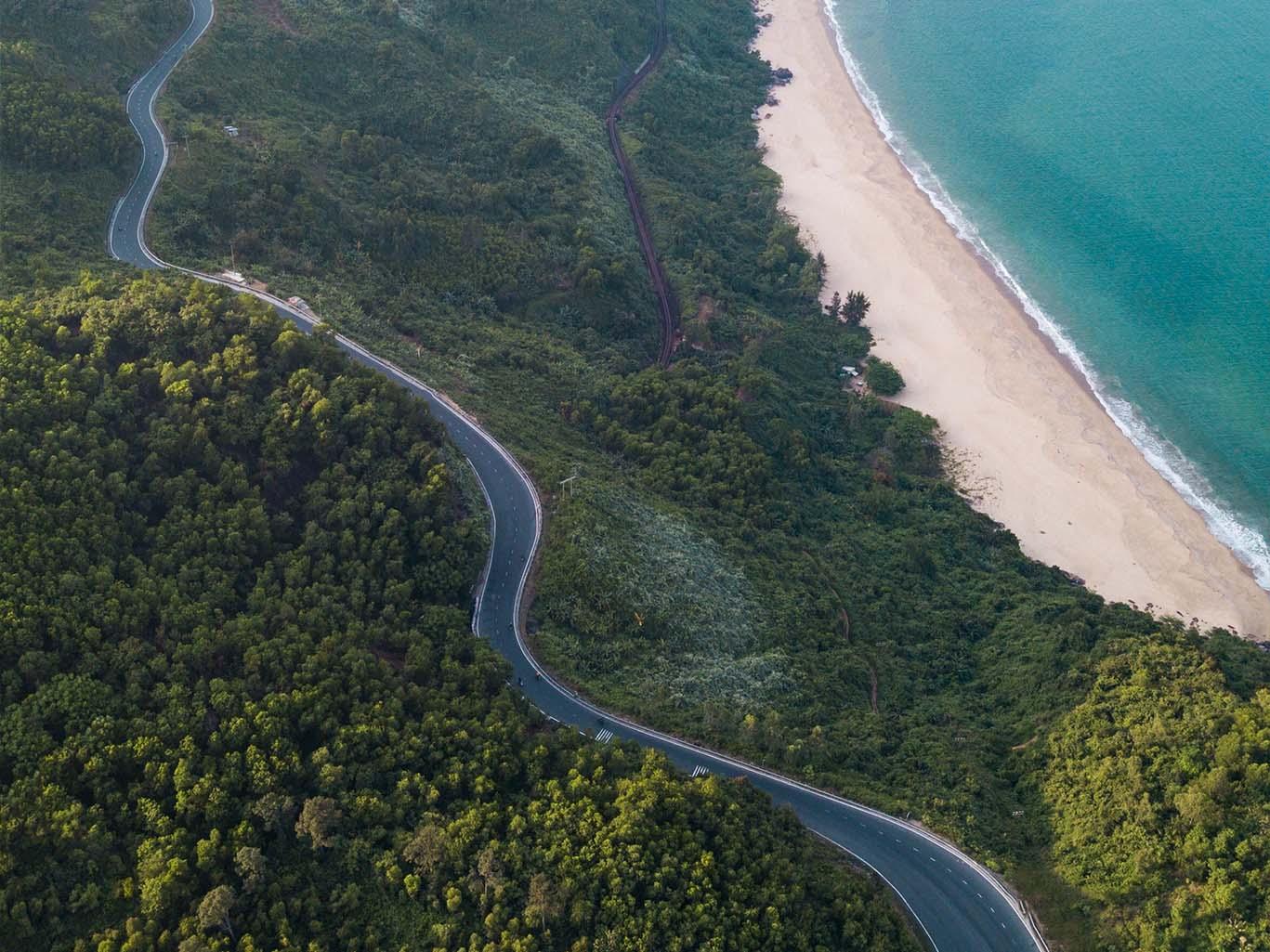 Travel the Hai Van Pass